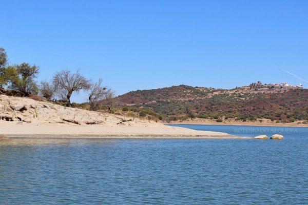 Ilha Dourada com vista para  Monsaraz